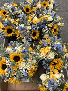 Wedding Bouquets- sunflowers chamomile babys breath delphinium spray roses and roses eucalyptus Summer Wedding, Dream Wedding, Rose Wedding, Wedding Nails, Trendy Wedding, Wedding Stuff, Sunflowers And Roses, Design Floral, Spray Roses