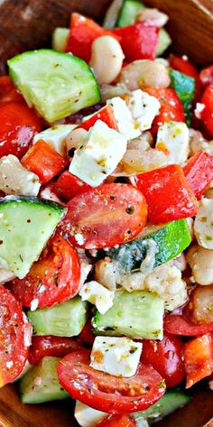 I love Greek salad but never had it with these beans, need to try it ! Greek Chopped Salad From: Rachel Cooks, please visit Salad Bar, Soup And Salad, Cooking Recipes, Healthy Recipes, Kale Recipes, Avocado Recipes, Cooking Tips, Recipies, How To Cook Quinoa