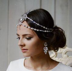 Perls crown Bridal Tiara,Tikka Headpiece,Crystal Wedding Crown,indian hair jewelry Tikka/Head Chain