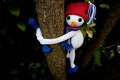 Ravelry: Christmas Hugging Snowman pattern by Hooked on Sunshine Christmas Fun, Christmas Ornaments, 4th Of July Wreath, Ravelry, Snowman, Sunshine, Crochet Patterns, Joy, Seasons