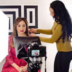 Branding photo &video shoot with success coach for female entrepreneurs Abigail Philips. Real Estate Branding, Success Coach, Stiles, Video Photography, Behind The Scenes, Social Media, Marketing, Photo And Video, Female