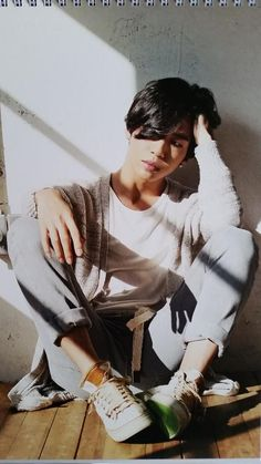 Yongguk - 2015 season's greetings! ASDFGHJKL! WAE SO HOT? WAE ?! #TaeMin being hot as fuck :c