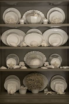 In the 1700's a variety of earthenware called creamware was produced by several companies including Wedgwood  and Leeds Pottery in England. ...