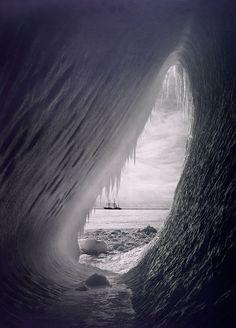 Herbert Ponting: Cave in the Iceberg 1911