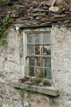 decaying walls and musty windows Front Windows, Old Windows, Windows And Doors, Cold Comfort Farm, Irish Cottage, Grades, Ivy House, Window View, Old Doors