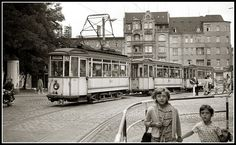 Franckeplatz, Halle (Saale), 1.8.1966. Foto: Evert Heusinkveld Halle, Busse, Public Transport, Historical Photos, Berlin, Germany, In This Moment, Black And White, History