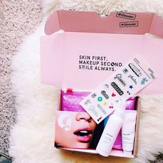 Unboxing a #glossier package is only half the fun.  Right, @taylorsterling?