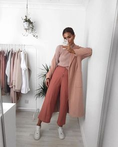 WEBSTA @ lissyroddyy - Wearing my Lola May x Lissy raised neck top and zip front trousers ✨ it's also free uk shipping all weekend with code WEEKENDYAY @lolamayclothing lola-may.com #lolamayxlissy - this whole outfit and links to it is featured in my new youtube video too! search 'lissy roddy'