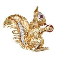 KUTCHINSKY Yellow Gold & Diamond Squirel Brooch