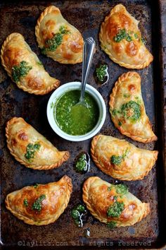 14 easy Spanish recipes to throw the best tapas party ever, including this Caprese Empanadas With Tomato, Mozzarella, and Basil recipe. food recipe 20 Easy Spanish Recipes to Throw the Best Tapas Party Ever Basil Recipes, Tapas Recipes, Mexican Food Recipes, Appetizer Recipes, Vegetarian Recipes, Healthy Recipes, Tapas Ideas, Tapas Food, Vegetarian Tapas
