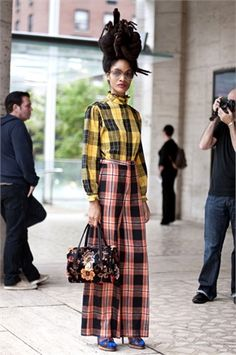 TARTAN-PLAİD    Plaid on plaid street style
