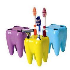 Купить товарНовые зубы стиль подставка для зубных щеток стенд щетка стойки зубная щетка полка для бритья бритва держатель случайный цвет прямая поставка HG 07238 в категории Наборы для ваннойна AliExpress.          Материал:          Пластик         Цвета: случайные             Размер     : 7*9 см        Сп