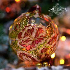 Painted Christmas Ornaments, Christmas Balls, Christmas And New Year, Glass Ornaments, Christmas Diy, Merry Christmas, Christmas Trees, Christmas Centerpieces, Xmas Decorations
