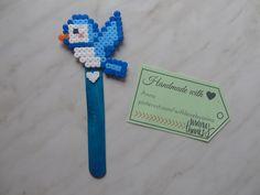 Bookmark midi hamabeads little bird Segnalibro midi hamabeads uccellino #Hamabeads #bookmark #heart #hamaboncuk #hamabeads #fattoamano #segnalibro #hamaboncuk #boncuk #diy #pixelart #pyssla #evyapimi #elyapimi #hobby #hama #perlerbeads #perler #beads #handmade #perlerbead #hamabead #pixelbeads #handmadewithlove #perlers #bird #littlebird