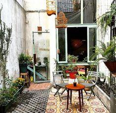 37 New Ideas for rustic outdoor patio house Coffee Shop Design, Cafe Design, Interior Design, Outdoor Cafe, Rustic Outdoor, Outdoor Decor, Patio Deck Designs, Patio Design, Patio Flooring