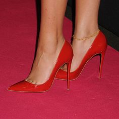 Zendaya in red stilettos #redstilettoheels #giuseppezanottiheelsred