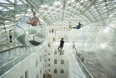 Ever tried sky walking? Now you can! Artist Tomás Saraceno installed a 2500 square meters playground at a height of 25 meters in Düsseldorf, Germany. The installation In Orbit consists of a web of transparent nets which makes the experience of walking 25 meters above the ground rather scary yet amusing, I suppose.