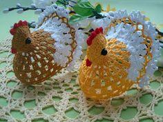 How to crochet chicken - Handmade-Paradise Crochet Birds, Crochet Animals, Crochet Gratis, Free Crochet, Crochet Chicken, Chickens And Roosters, Crochet Kitchen, Single Crochet, Easter Bunny