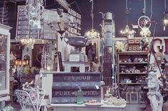 Wertz Brothers Antique Mall in Santa Monica... I wanna go here!!