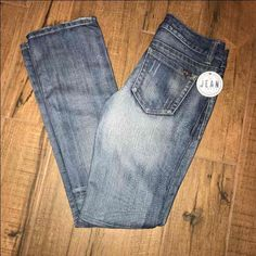 Guess Jeans women's Pismo Straight sz 27 - Mercari: Anyone can buy & sell