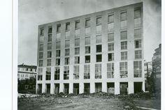 Archivio Asnago Vender Fascist Architecture, Modern Architecture, Bauhaus, Art Deco, Contemporary Building, Milan, Multi Story Building, Outdoor Structures, Facades