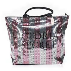Pre-owned Victoria's Secret Tote: Black Women's Bags ($33) ❤ liked on Polyvore featuring bags, handbags, tote bags, black, preowned handbags, tote bag purse, victoria secret tote bag, victoria secret tote and handbags purses