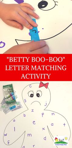 Letter matching activity for teaching preschoolers letter case. Try this fun activity to help with letter recognition skills for upper case and lower case. This learning game for preschoolers is great for building fine motor skills and sensory play. #preschool #lettermatching #upperandlowercase