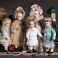 "View Catalog Item - Theriault's Antique Doll Auctions - french bebe, 12"" and 10"""