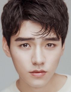 Gong Jun, born on November in Chengdu, Sichuan, an actor from the Mainland of China, graduated from the Performance Department Asian Celebrities, Asian Actors, Celebs, Advance Bravely, Hipster Hairstyles, Web Drama, Most Beautiful Faces, Beautiful People, Dream Guy
