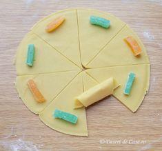 cornulete cu rahat reteta (5) Sugar, Cookies, Desserts, Food, Biscuits, Meal, Deserts, Essen, Hoods
