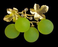 MAISON FONSEQUE ET OLIVE ~ Belle Epoque Grape Brooch, Gold Glass Diamond H: 3.1 cm (1.22 in) W: 4 cm (1.57 in) French, c.1889