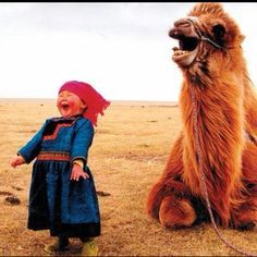 This one of my favorite pictures - a Mongolian girl and her camel laughing together. Her camel is a Bactrian camel. The Bactrian camel has. I Smile, Your Smile, Make You Smile, Happy Smile, Tier Fotos, Jolie Photo, Look At You, Feeling Happy, Funny Feeling