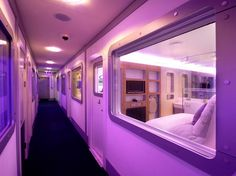 Yotel: a cool, inexpensive capsule-like airport hotel at Amsterdam Shiphol (AMS), London Gatwick (LGW) and Heathrow (LHR). Airport Lounge, Airport Hotel, Gatwick Airport, Heathrow Airport, Hotel A New York, Nap Pod, Airport Architecture, Lounges, Sleeping Pods
