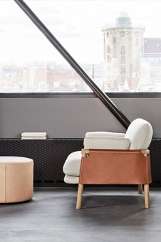 Savannah is an open yet embracing design. The most striking feature is the use of our premium saddle leather as a key element that wraps around the solid wood frame to encompass the back and sides of the sofa and chair. Each cushion is sewn by hand, providing ample comfort in the seat. #loungechair #savannahchair #monicaförster #erikjørgensen #fredericiafurniture #modernoriginals #craftedtolast #interiordesign #scandinaviandesign #homedecor #hotelinspiration Swedish Design, Scandinavian Design, Bars And Clubs, Co Working, Saddle Leather, Lobbies, Lounge Areas, Savannah Chat, Solid Wood