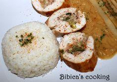Blanc de volaille à la farce fine jambon-noisettes, sauce au vin moelleux et échalotes gros plan
