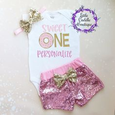 Personalized Sweet One Donut First Birthday Shorts Outfit, Donut onesie, Custom donut shirt, Donut f First Birthday Themes, 1st Birthday Outfits, Girl First Birthday, Birthday Gifts For Girls, First Birthdays, Birthday Ideas, Birthday Nails, Birthday Wishes, Baby Easter Outfit