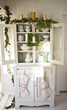 This looks just like the hutch in mama's Kitchen.