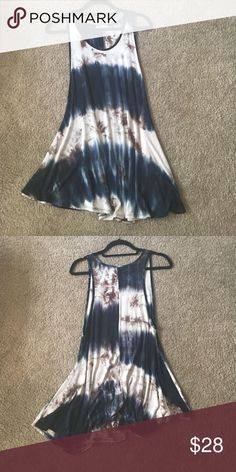 NWOT Bue and tan tie dye tunic This tye dye tank is super cute! Can be worn as either a dress or a long tunic with jeans. Super versatile and comfortable. Size M and never worn! Tops Tank Tops
