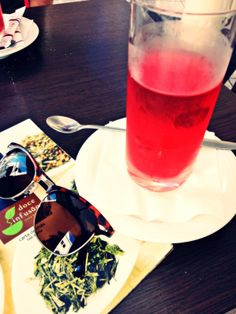 Té de manzana-canela, Doce Infusão. Aveiro, Portugal. [Apple-cinnamon iced tea, Doce Infusão Tea Shop]