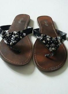 Kaufe meinen Artikel bei #Kleiderkreisel http://www.kleiderkreisel.de/damenschuhe/sandalen/134031962-sandale-mit-schwarzen-perlen-und-glitzer