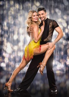 Laura Whitmore led the way in the glamour stakes as the current crop of Strictly Come Dancing talent posed for their official show pictures. Strictly Come Dancing 2016, Strictly Dancers, Dance Art, Ballet Dance, Pole Dance, Dance Outfits, Dance Dresses, Argentine Buenos Aires, Pernas Sexy