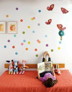 Confetti fabric wall decals by Petit Collage from Fawn Forest. Love the quilt too. A #CanDoBaby! fave.
