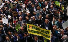 Deputados da base do governo Temer comemoram a aprovação da PEC do Teto dos Gastos