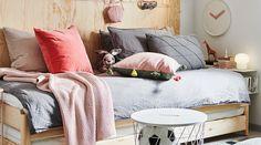 Dormez sur vos deux oreilles Brimnes, Ikea Couch, Ikea Bed, Furniture Decor, Bedroom Furniture, Dorm Room Organization, Loft Room, Home Bedroom, Bedrooms
