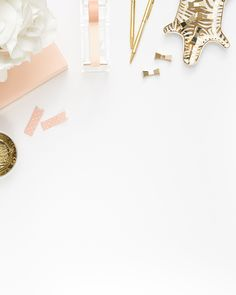 Shay Cochrane / In the shop: Peach & Gold Desktop