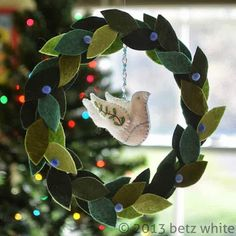 betz white - peace dove ornament and wreath