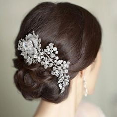 Crystal hair pin. This would look so gorgeous with a veil. #5280Bride
