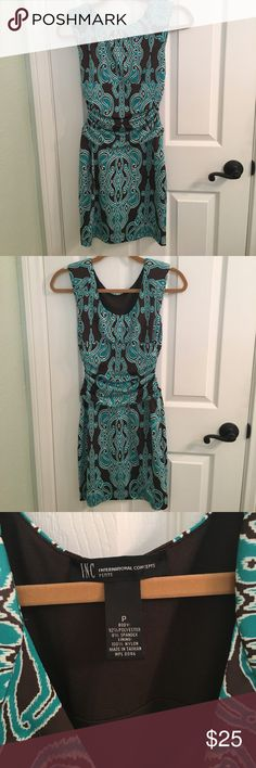 Inc International Concepts dress Form fitted, side ruched dress. Excellent Condition INC International Concepts Dresses