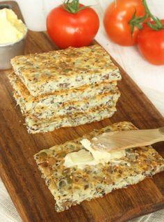 Socker i bröddegen förbättrar jäsningen Meals For The Week, Lchf, Meal Planning, Dairy, Gluten Free, Cheese, Drinks, Lemon, Glutenfree