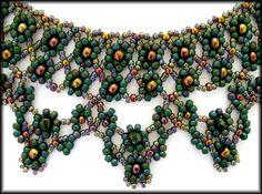 Kronleuchterjuwelen Glasperlenschmuck - Netzkette pfauenfarben